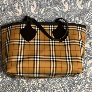 NEW Burberry Reversible Vintage Check Tote Bag